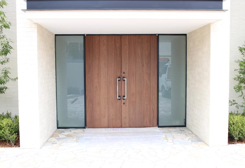 港区N邸 玄関ドア