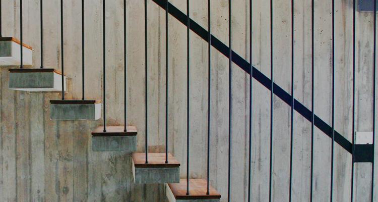 高品質なスチールの階段・手すり